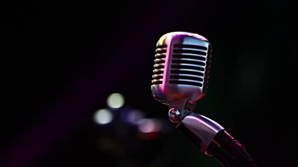 Klasicky klasický mikrofon