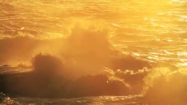 Hullámok - Surf
