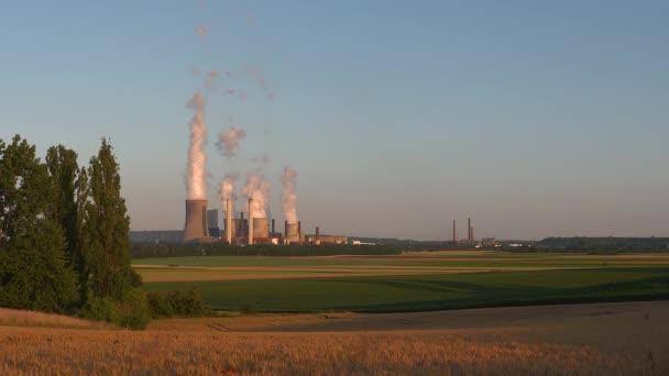 uhlí vypaloval elektrárny