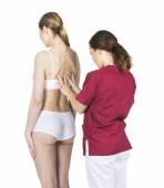 žena s fyzioterapeutem