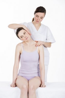 physical therapist which makes a cervical evaluation