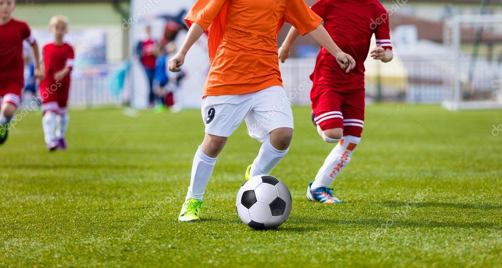 Imagenes Chico Jugando Futbol Chicos Jovenes Jugando Futbol Juego