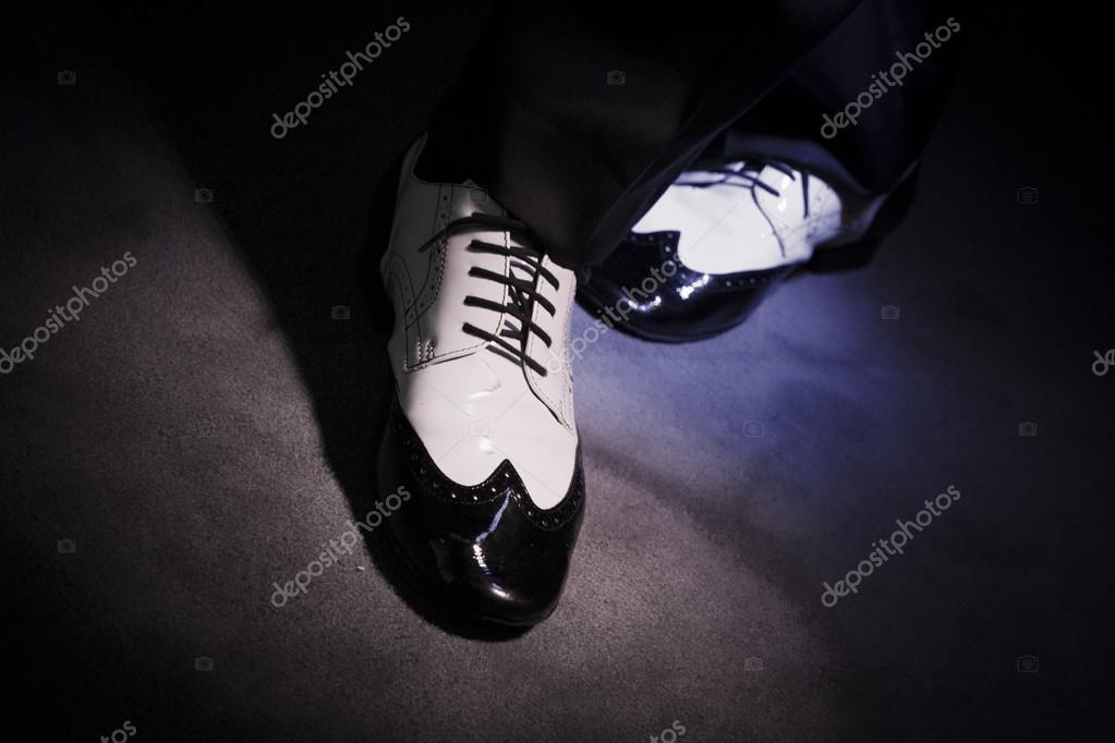 Nero Da Foto Stock — Uomo Ballo Bianco E © Gemaibarra123769392 Scarpe Ygf7yvb6