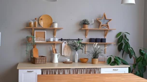 Interiér kuchyně ve skandinávském stylu. minimalistický a lehký interiér.