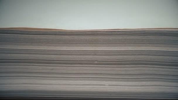 zásobník papíru