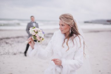 wedding on the beach in winter