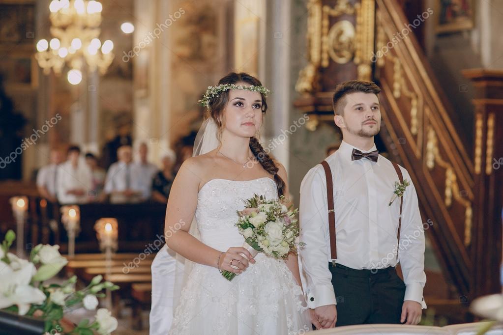 c40006998b egyházi esküvő pár — Stock Fotó © prostooleh #91105142