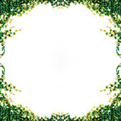 Borostyán levelek elszigetelt fehér background