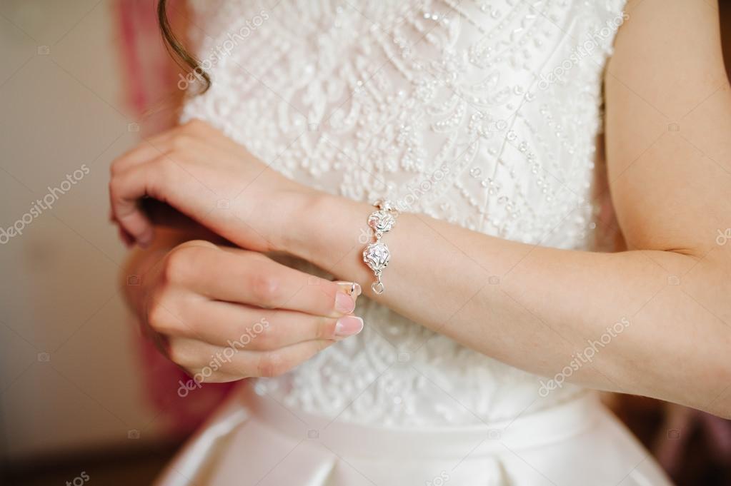 vestido de novia conseguir pulsera el día de su boda — fotos de