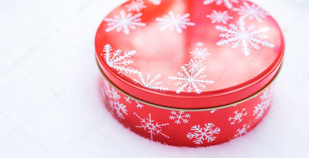 Redondo Cookie Roja Y Envase De Lata De Aluminio Se Hornean