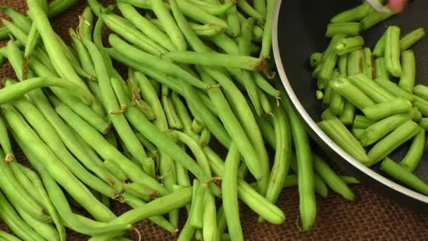 Cut small and slender green beans (haricot vert)