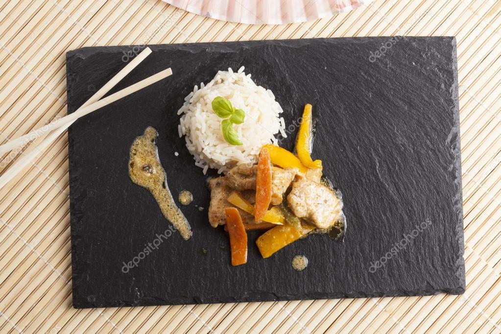 Piatti Cucina In Ardesia : Burro di concetto dell alimento in tazza e zucchero bianchi in