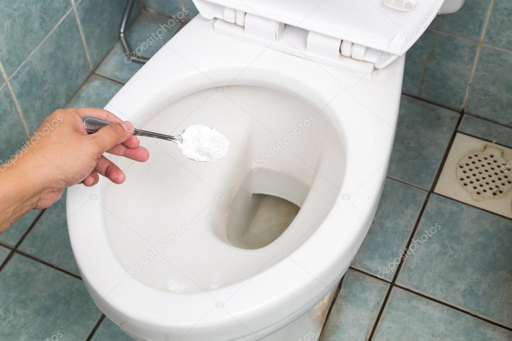 Disinfettante Bagno Naturale : Bicarbonato di sodio usato per pulire e disinfettare bagno e wc