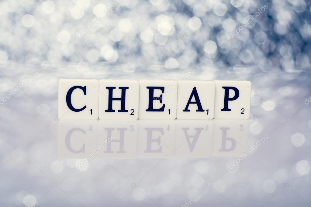 Scritta di piastrelle con lettere a buon mercato u2014 foto stock