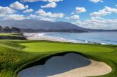 Pohled na golfové hřiště Pebble Beach, Hole 9, Monterey, Kalifornie, USA