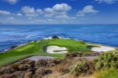 Pohled na golfové hřiště Pebble Beach, Hole 7, Monterey, Kalifornie, USA
