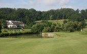 zelené a plavební dráhy na golfovém hřišti
