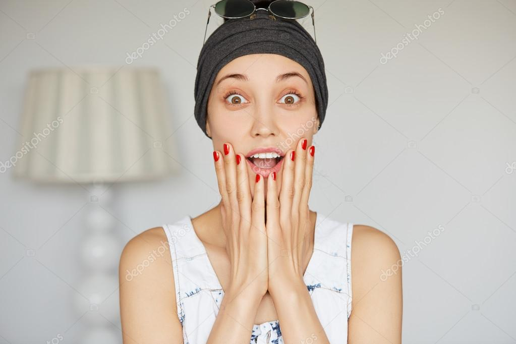 student girl looking in surprise stock photo avemario 109112024