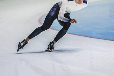 man speed skaters