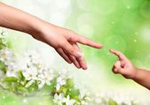 Fotografie Matka a dítě dosáhne rukou