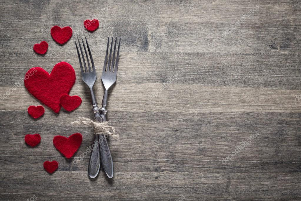 Anniversary restaurant series valentines day dinner with for Place setting images