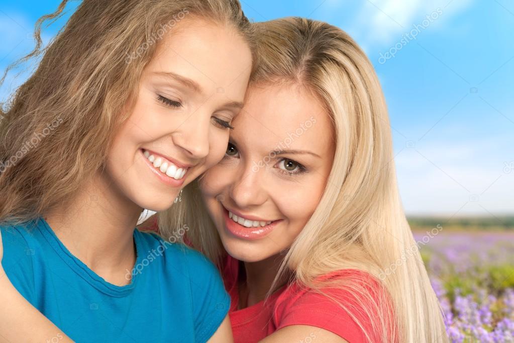 Teenager lesbisch jung Teenager twitzen nackt