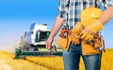Repairing, tractor, building.