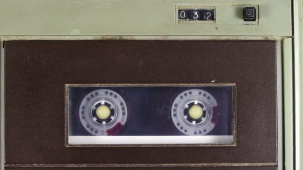 audio kazetta lejátszóval