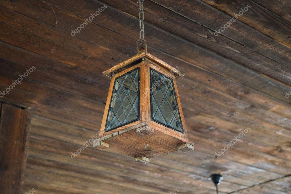 Plafoniere Per Tetto In Legno : Plafoniera soffitto legno lampadina illuminazione del telaio