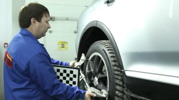 Diagnóza a kolo vyvážení vozu v moderní čerpací stanice