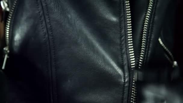 Zdrhovadlo s hladké černé textilie