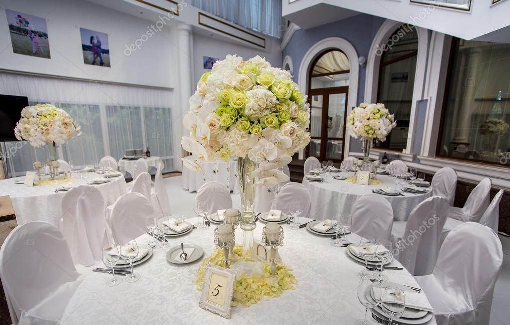 Served for banquet tables in a luxurious interior