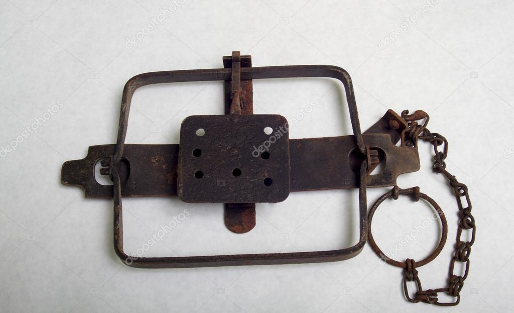 rare large old leg hold trap - 758×426