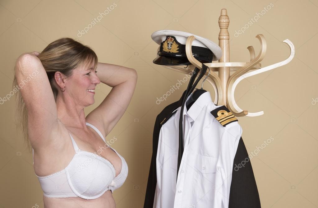 Women well endowed Busty Well