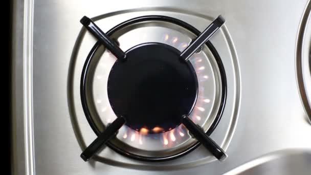 plamen plynového hořáku