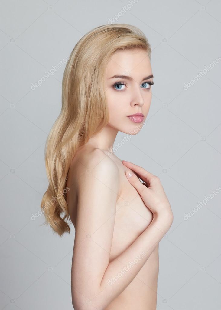 Fotos van naakte blonde meisjes