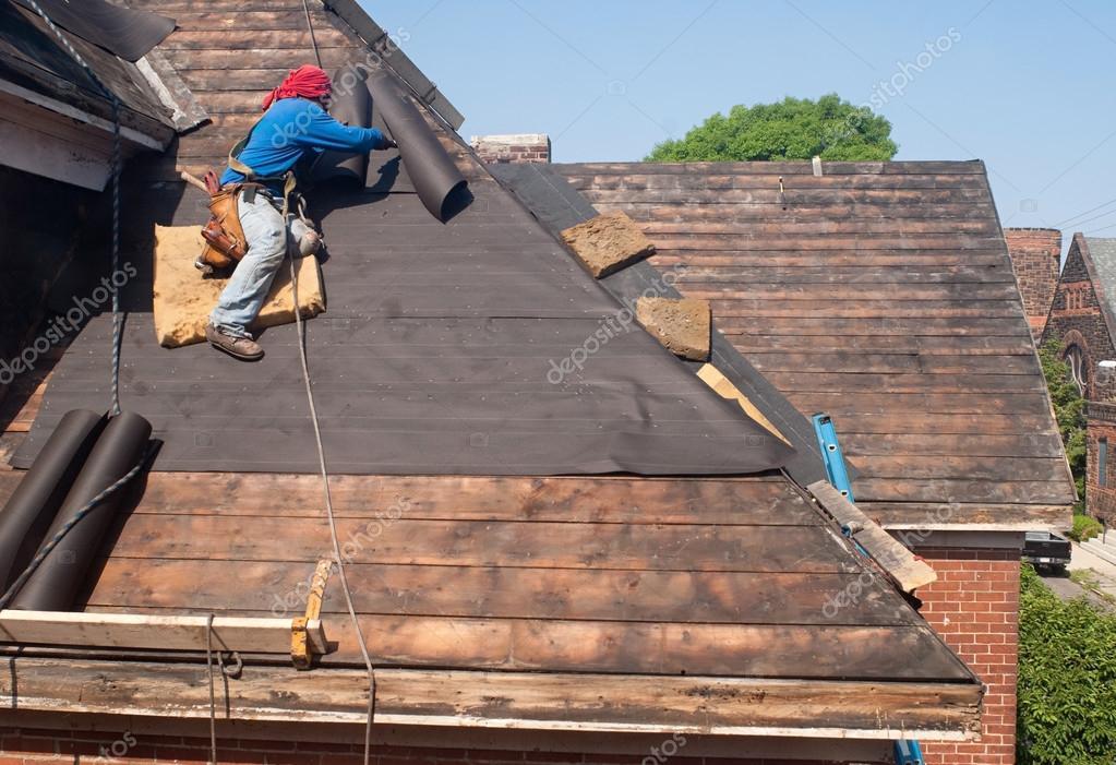 крыть крышу рубероидом видео