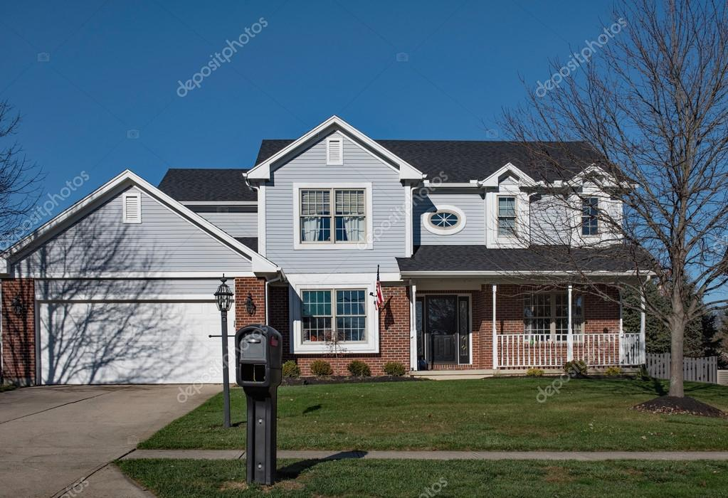 Attractive Typical Midwest House with Street Side Mailbox – Stock Editorial  FF92