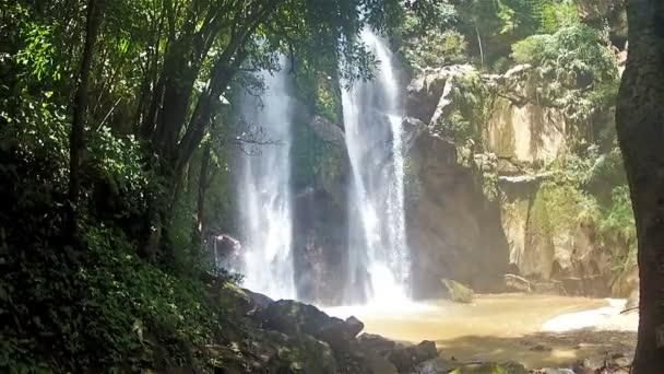 Mokfa vodopád