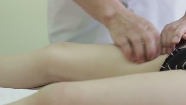 Dětská masáž chodidel