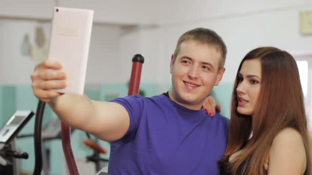 girl and guy doing selfie