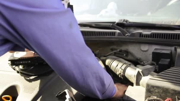 Počítačové diagnostiky vozidel, mechanik zkontrolovat auto za vady