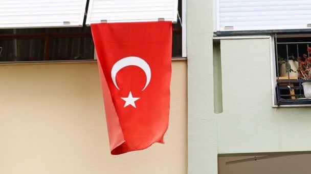Turecká vlajka před dům