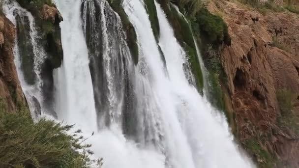 vodopád duden v antalya, Turecko - příroda cestovní pozadí