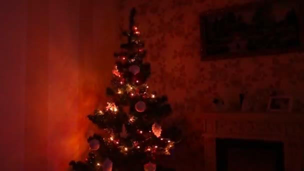 Pokoj zařízený na Vánoce