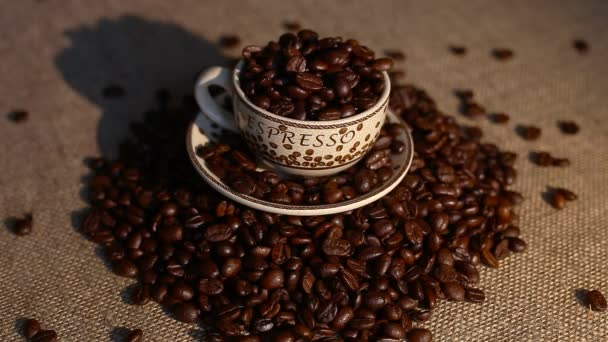 Pohár s coffee bean jako pozadí