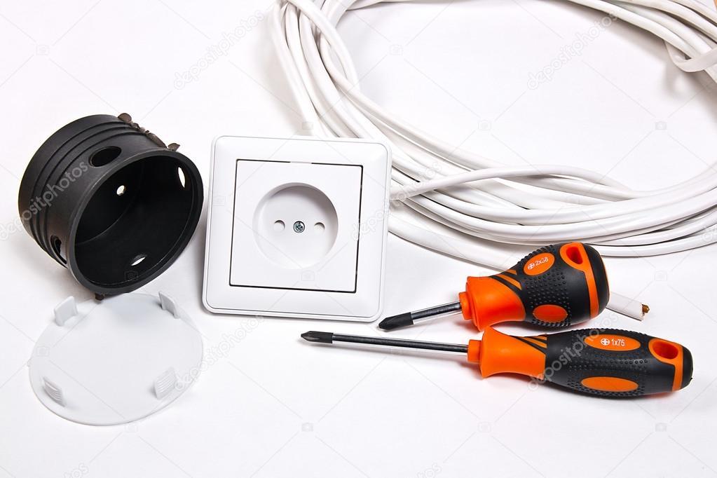 Elektriker Werkzeuge, Kabel, box für die Installation von Steckdosen ...