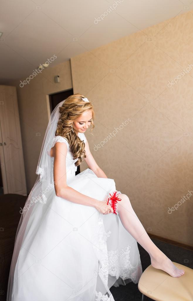 Bride Dresses Garter On The Leg Picture Of Beautiful Female Barefoot Legs In Wedding Dress Stockings Feet Putting A