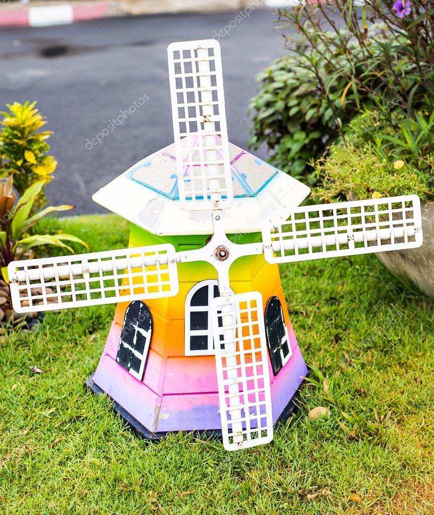 Wooden Garden Windmill - Wooden Designs