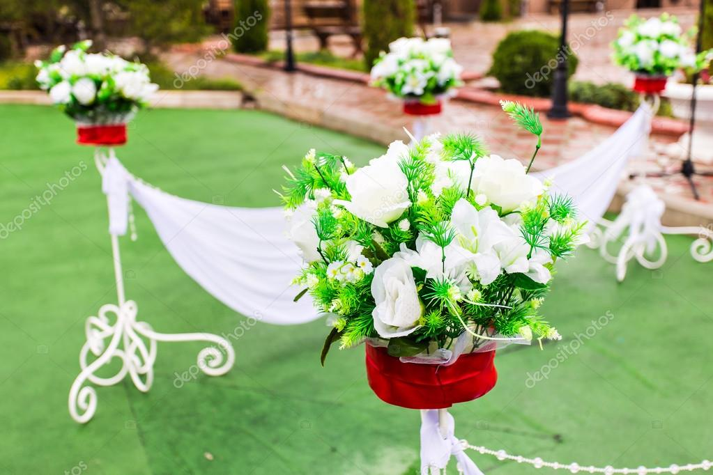 Beautiful wedding flower decorations